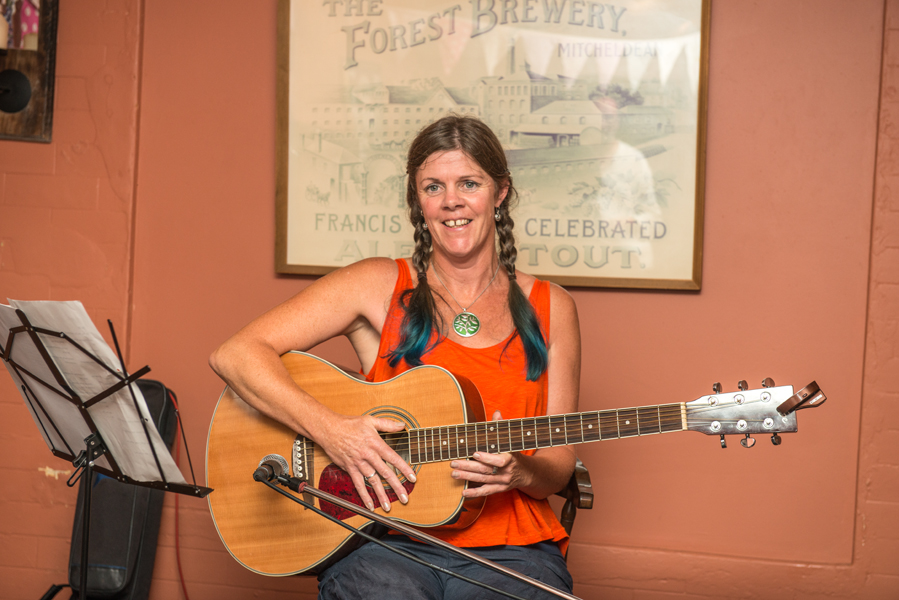 Singer-songwriter Tracey Dixon