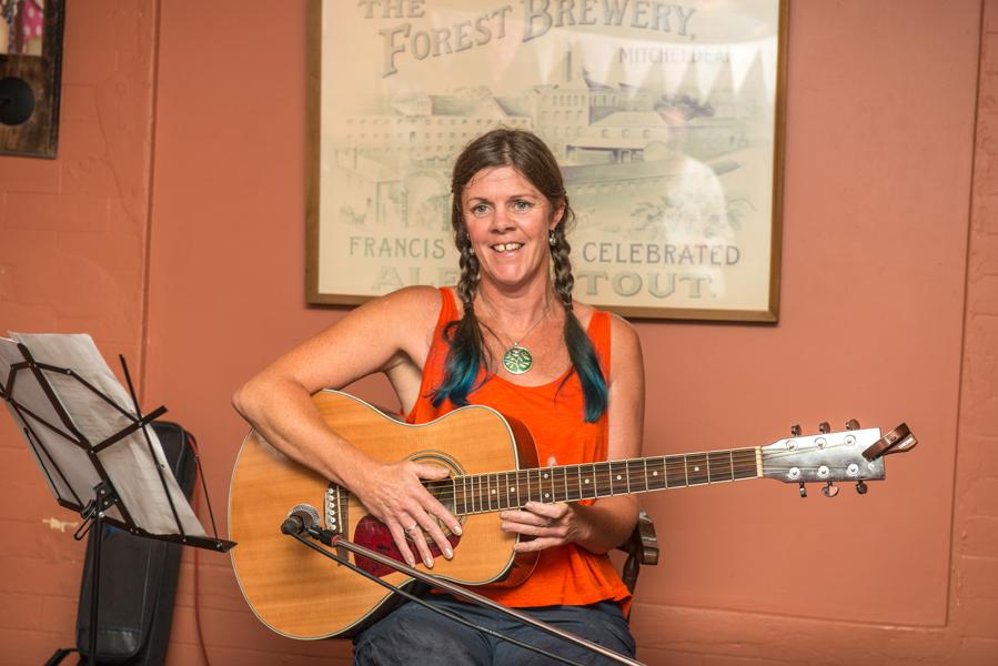 Singer-songwriter Tracey Dixon